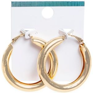 Thick gold hoops⭐️